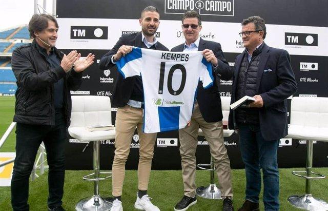 Fútbol.- Kempes, homenajeado por el Hércules 33 años después de su adiós