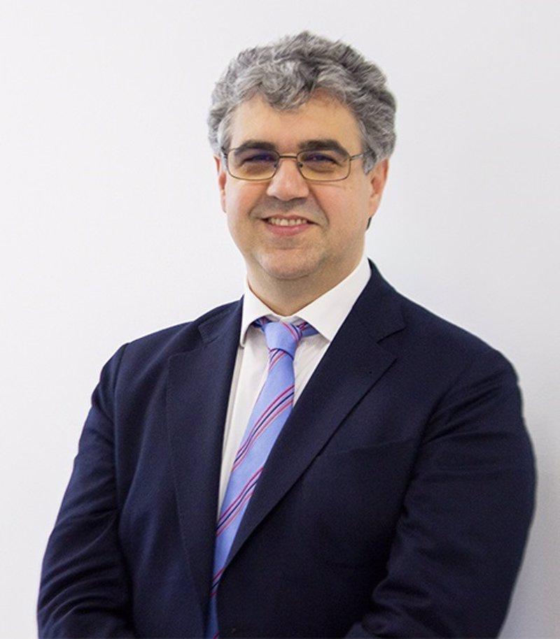 Miguel ngel pend n se presenta como candidato a rector de la universidad de c diz con el - Muebles miguel angel cadiz ...