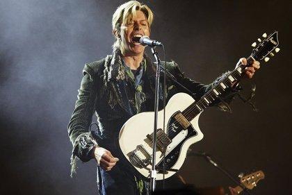 Vans estrena una nueva colección de zapatillas en homenaje a David Bowie