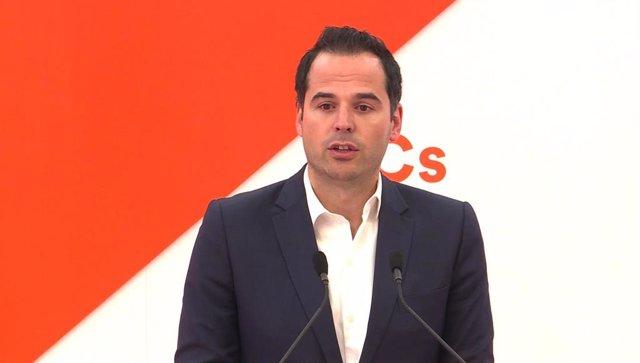 El candidato de Ciudadanos en la Comunidad de Madrid, Ignacio Aguado, ofrece una