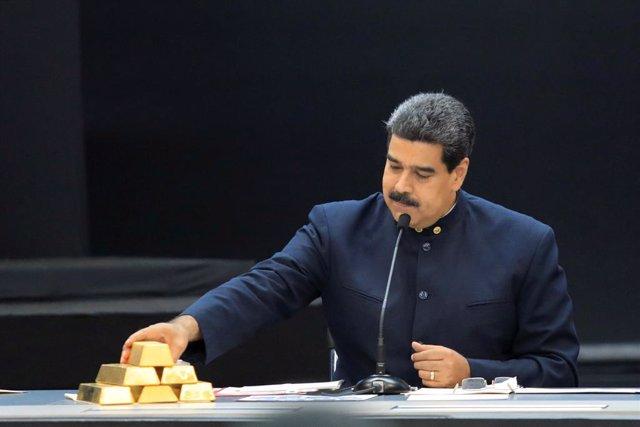 """Maduro anuncia la detención de un paramilitar colombiano y lo vincula a la """"mano"""