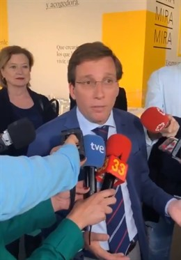 Almeida critica que sea IU quien se querelle contra Villacís y se pregunta si ta