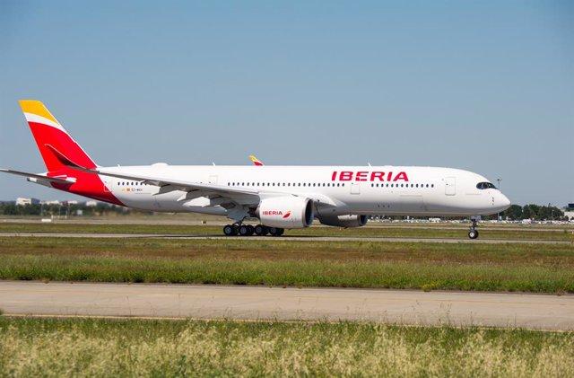 Iberia, segunda aerolínea más puntual del mundo y de Europa en febrero según Fli