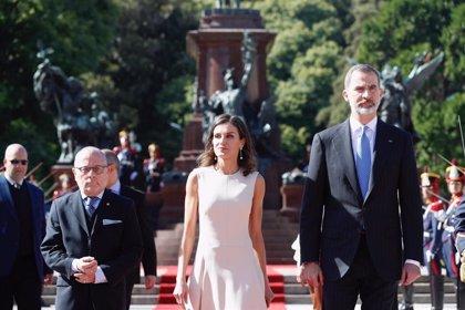 Los Reyes de España inician su viaje de Estado a Argentina con un mensaje de apoyo a sus reformas económicas