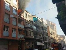Tres ferits en l'incendi d'un pis a Lleida (BOMBERS DE LA GENERALITAT)