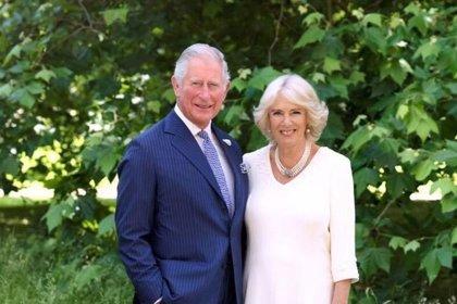 Díaz-Canel da la bienvenida al príncipe Carlos, primer miembro de la Casa Real británica que visita Cuba