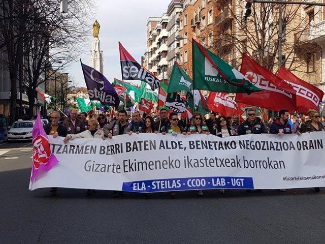 """Sindicatos insisten en que la propuesta de Kristau Eskola """"carece de contenidos"""