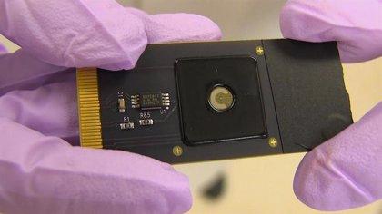 Desarrollan un nuevo dispositivo con tecnología CRISPR que detecta mutaciones genéticas en minutos