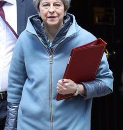 El Parlament arrabassa el timó del Brexit a May amb la dimissió de tres membres del seu Govern (Stephen Lock )