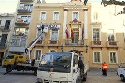 Blanes treu la pancarta de suport als presos independentistes de l'Ajuntament (ACN)