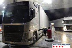 Detingut a Vilamalla un camioner que multiplicava per sis la taxa d'alcohol permesa i va atropellar el seu company (ACN)