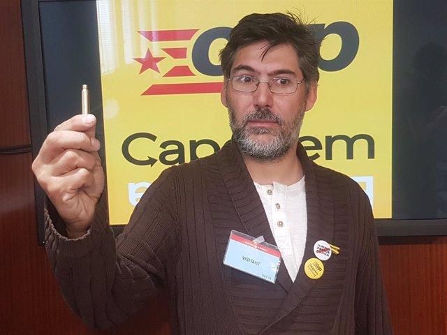 Un conseller de la CUP Barcelona troba bales en la seva bústia i ho atribueix a