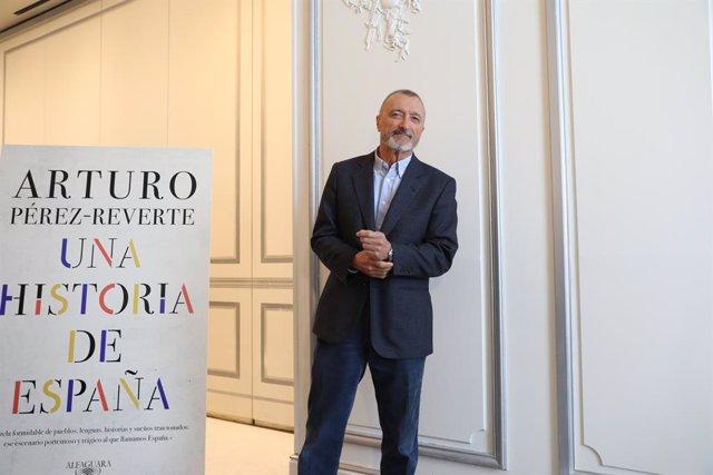 Arturo Pérez-Reverte presenta su nuevo libro, 'Historia de España'