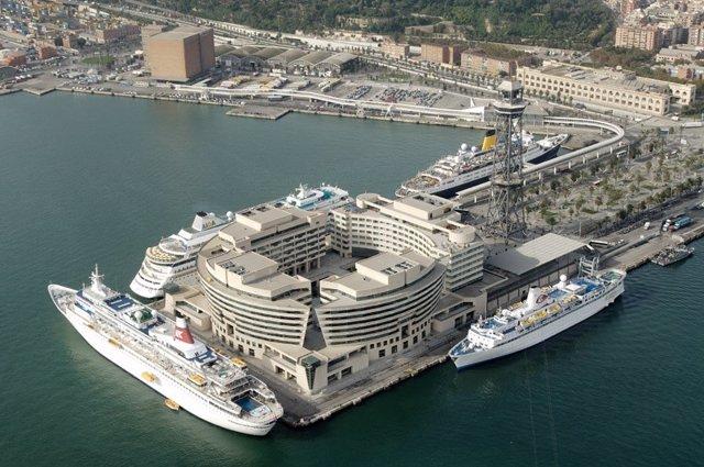 El Puerto de Barcelona presenta sus servicios intermodales en la feria SiTL de P