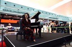 L'òpera de 'La Gioconda' i 'Carmen' arriben a l'aeroport del Prat (RAÚL URBINA/LICEU/AENA)