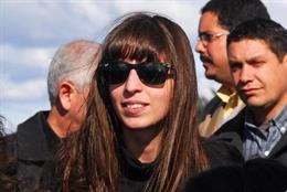 Fernández de Kirchner muestra en Cuba la historia clínica de su hija