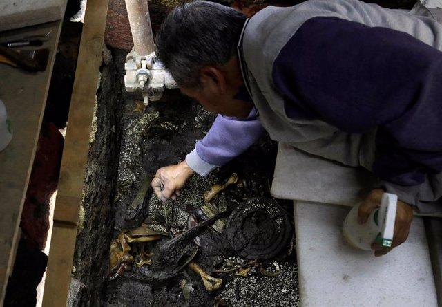 Arqueólogos mexicanos se acercan a las tumbas de los reyes del Imperio azteca