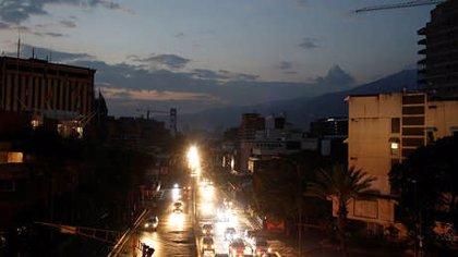 Varias ciudades de Venezuela, incluida parte de Caracas, amanecen con un nuevo apagón
