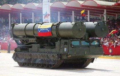 ¿Qué es y cómo funciona el sistema de misiles antiaéreo ruso S-300 desplegado por Maduro en Venezuela?