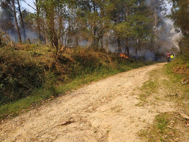 Rural.- La Xunta solicita desactivar la situación dos en el incendio de Dodro y