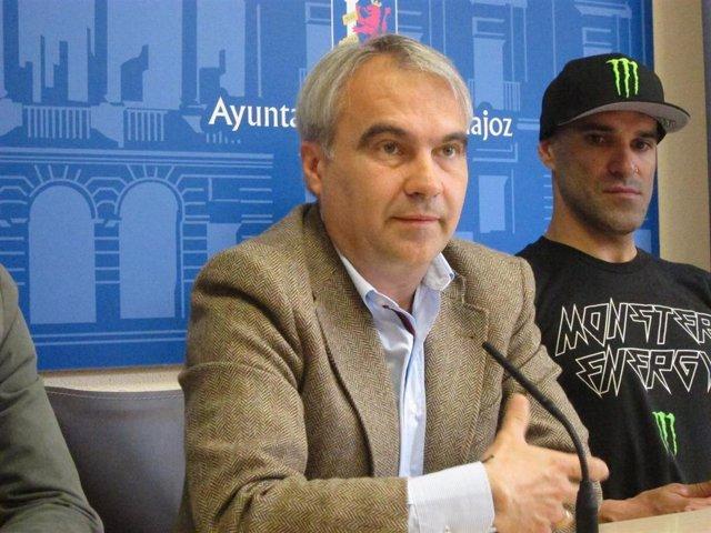 """El alcalde de Badajoz tilda de """"urgentísimo"""" que el Gobierno apruebe el decreto"""