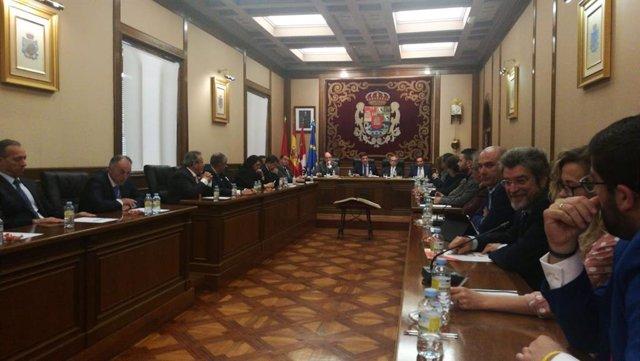 AV.-Carlos García, nuevo presidente de la Diputación de Ávila tras prosperar la