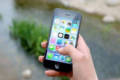 ¿Sabes cuántas bacterias tiene la pantalla de tu smartphone?