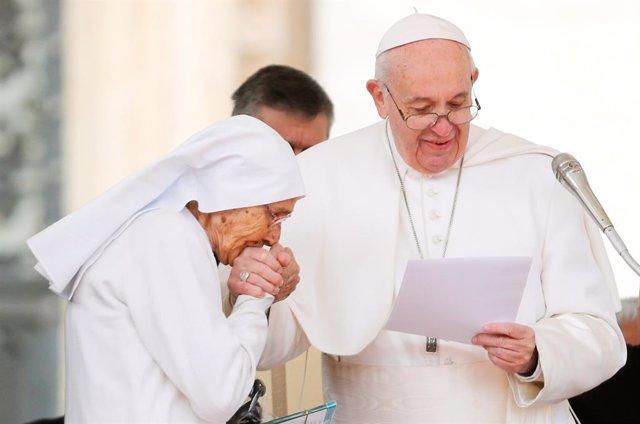 El Papa rinde homenaje a la misionera italiana Maria Concetta Esu por sus 60 año