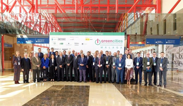 Málaga.-Administraciones instan a colaboración público-privada en el desarrollo