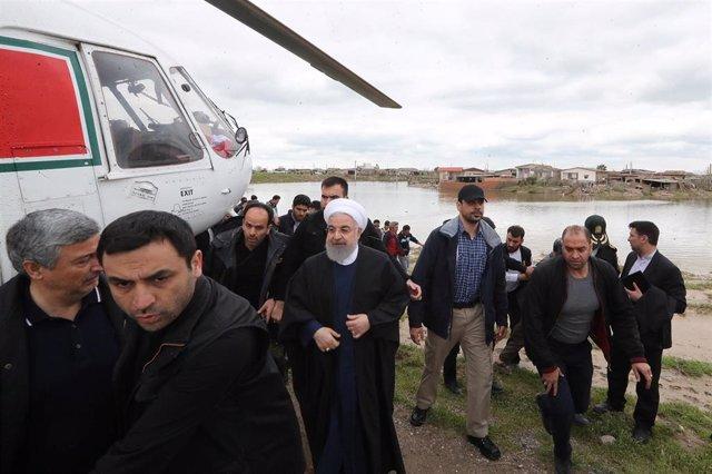 Irán.- Rohani visita los daños causados por las riadas en el norte de Irán