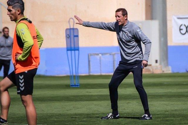 Fútbol.- Ramis renueva como técnico del Albacete hasta 2021
