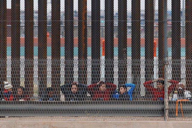 EEUU/México.- Muere un cuarto inmigrante bajo custodia policial en EEUU