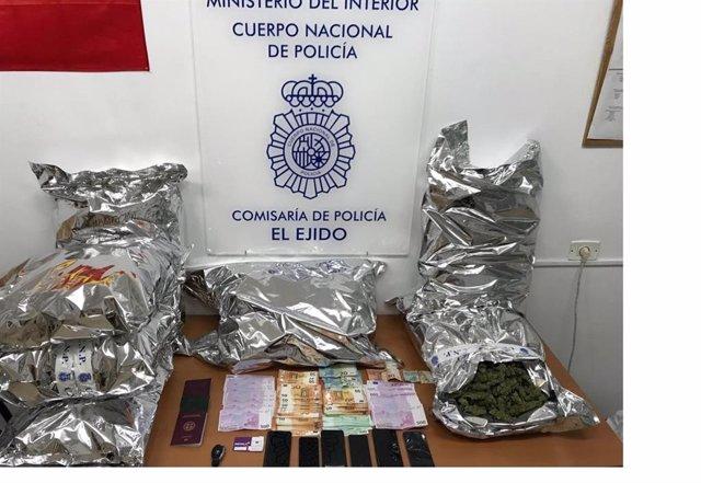 Almería.-Sucesos.-A prisión siete personas acusadas de traficar con 15 kilos de
