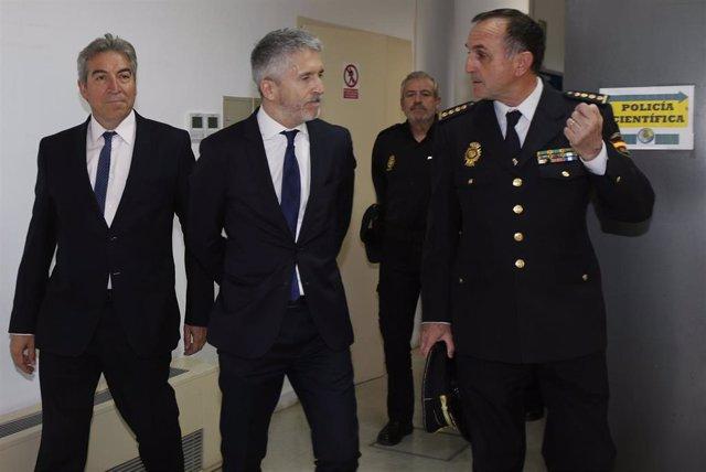 El ministro del Interior, Fernando Grande-Marlaska, visita las dependencias de l