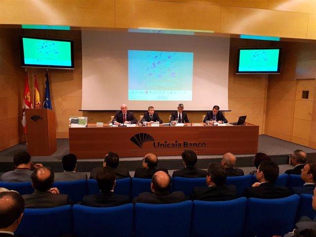 La 'Guía Financiera' de Unicaja Banco solventa dudas sobre economía y finanzas
