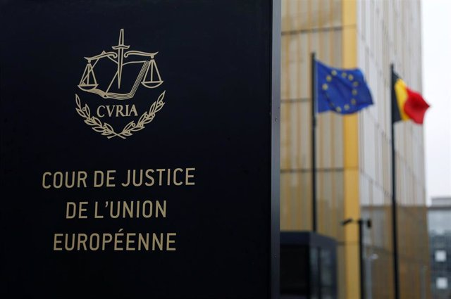 UE.- El TUE ve discriminatorio limitar a inglés, francés y alemán las convocatorias de plazas en instituciones de la UE