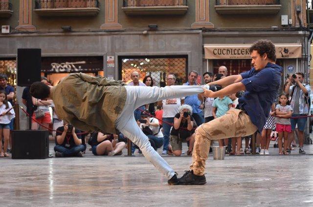 Cultura.- Rambleta lleva la danza a la calle con 'Meeting point', Premio Max 201