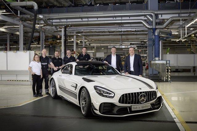 Economía/Motor.- Mercedes-AMG inicia la producción de la actualizada familia GT