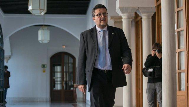 Francisco Serrano en el Parlamento andaluz