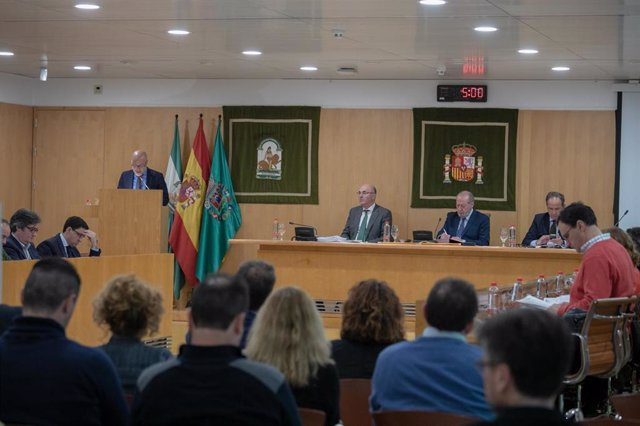 Sevilla.- Supera.- El pleno de la Diputación aprueba la vertiente municipal del