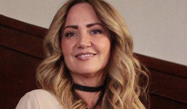 """Andrea Legarreta critica a una revista por utilizar su imagen para """"calumniarla"""""""