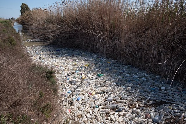 Greenpeace aplaude la prohibición del plástico de un solo uso pero exige al próx