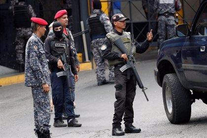 Registrado un incendio en las inmediaciones de la prisión del Helicoide de Caracas