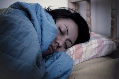 El cáncer de mama puede ser más propenso a propagarse al hueso con la exposición nocturna a la luz tenue