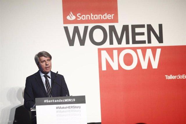 Pedro Sánchez asiste a la inauguración de 'Santander WomenNow Summit'
