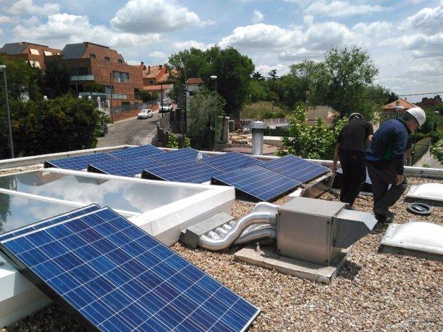 Paneles solares, energía limpia, energía verde