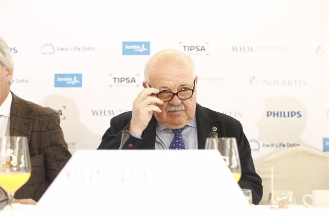 Desayuno Socio-Sanitario de Europa Press con el consejero de Salud de Andalucía