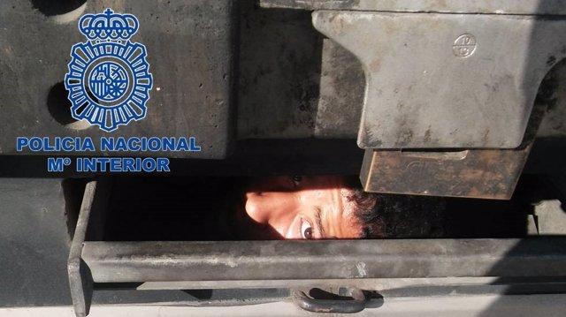 Granada.- Sucesos.- Localizan en Motril a tres inmigrantes que estaban ocultos e