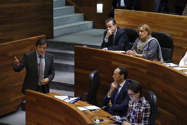 El presidente del Principado, Javier Fernández, en el pleno