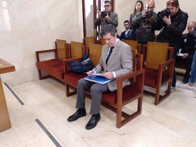 AMP.- La Fiscalia manté la seva petició de zinc anys de presó a Matas per desvia